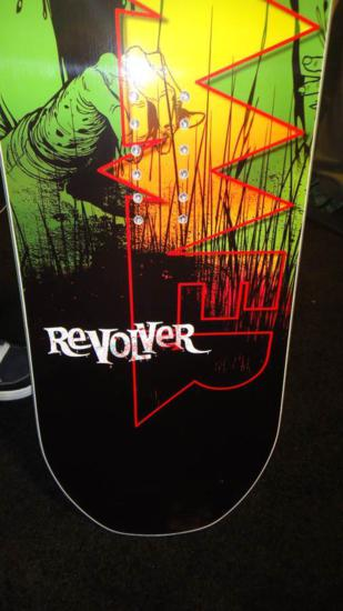 image revolver-logo_309x550-jpg