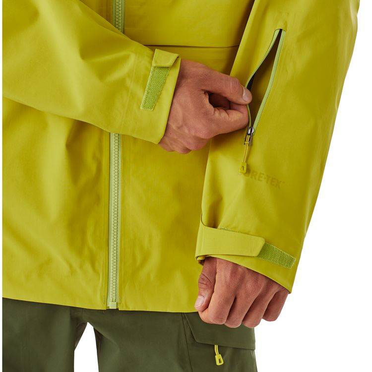 image patagonia-untracked-jacket-flgr-pass-pocket-jpg